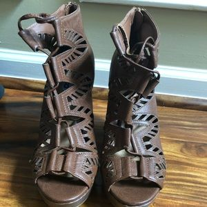 Shoes - Gladiator style brown wedges